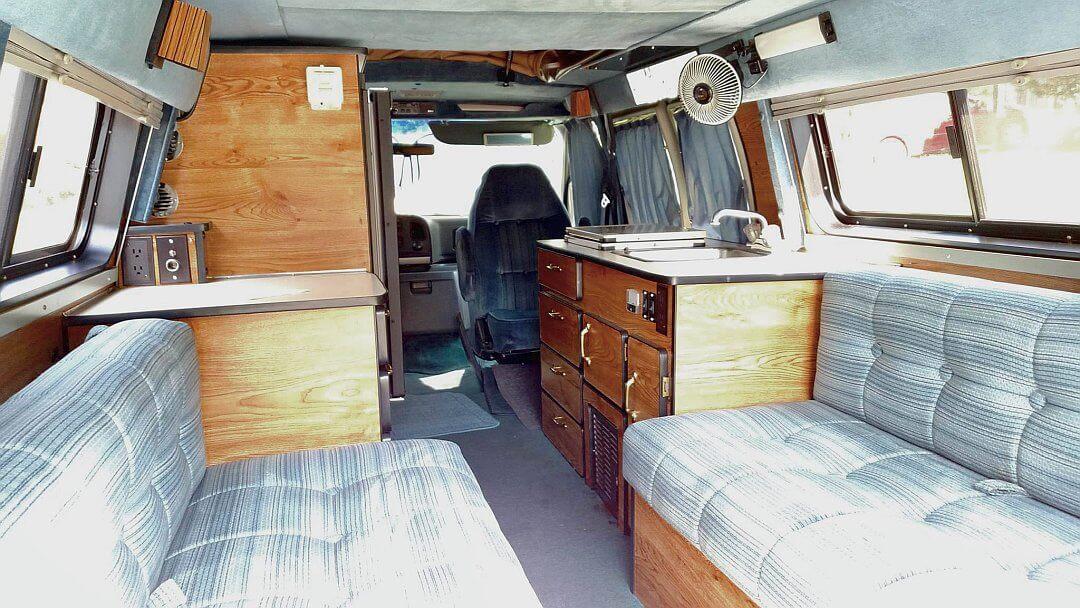 1993 Ford E250 Sportsmobile Inside