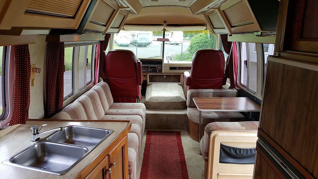 1982 Airstream 310 Aluminium Motorhome Inside