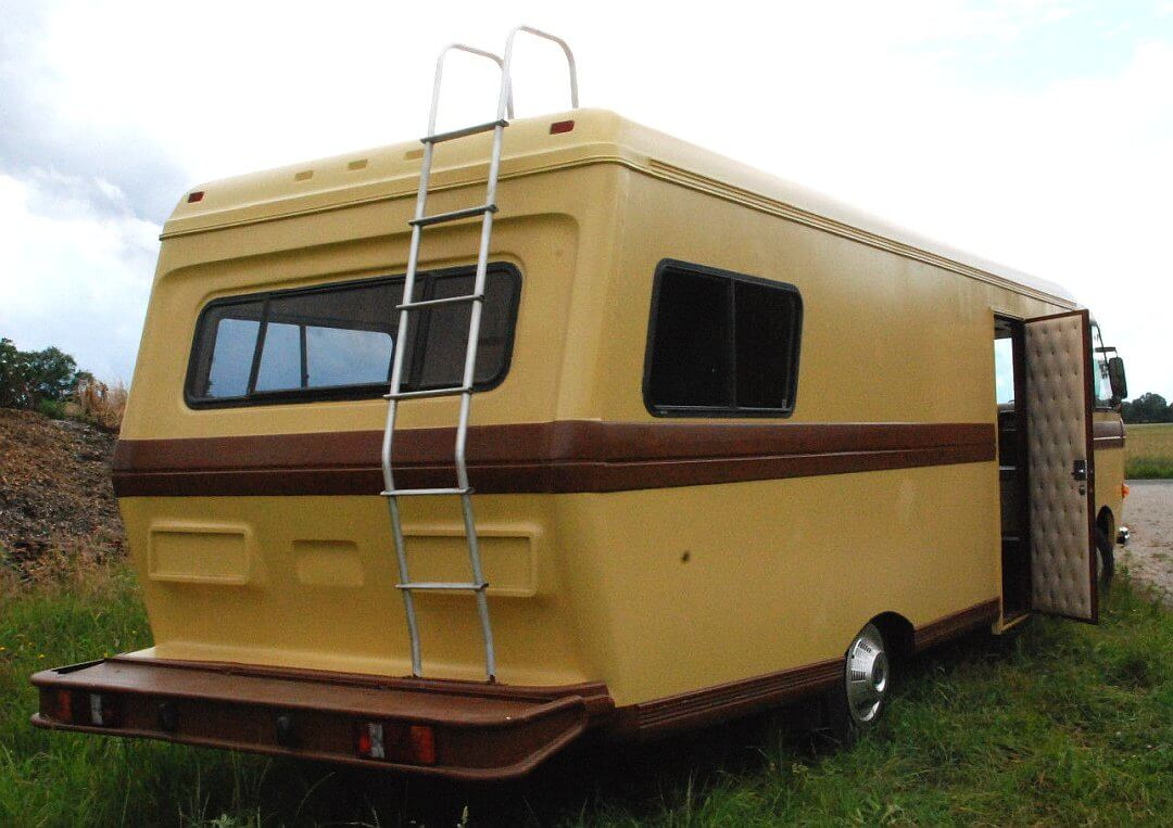1982 Chrysler Sportscoach RV Motorhome